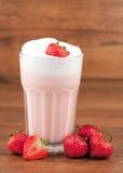 Milkshake de fraise Photos libres de droits