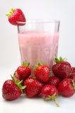 Milkshake de la fresa Fotos de archivo libres de regalías
