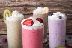 Milkshake med bär Fotografering för Bildbyråer