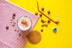 Milkshake med dillandear Arkivfoton