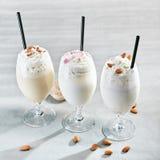 Milkshake op Gray Background Royalty-vrije Stock Afbeeldingen