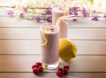 milkshake szklana malinka obrazy royalty free