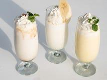 Milkshakes crémeux de rafraîchissement sain de nutrition image libre de droits