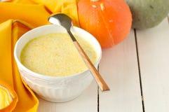 Milky суп тыквы стоковые фотографии rf