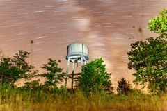 Milky sposób i zbiornik wodny w naturze Fotografia Royalty Free