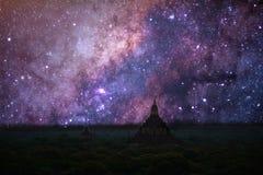 Milky sposób z antyczną świątynią, bagan Obraz Stock