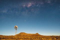 Milky sposobu gwiazdy z wiatraczkiem fotografia royalty free
