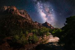 Free Milky Way And Stars At Zion National Park Stock Photo - 158312620