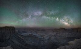 Free Milky Way Panorama Over Moonscape Overlook In Utah Royalty Free Stock Images - 195523209