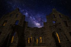 Milkyway over meerwater Royalty-vrije Stock Foto's