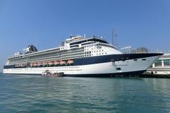Millénaire de célébrité sur le terminal d'océan photos libres de droits