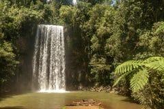 Milla Nilla Falls em Queensland, Austrália imagens de stock royalty free