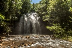 Milla Nilla Falls em Queensland, Austrália imagem de stock royalty free