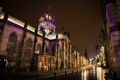 Milla real en la noche. Edimburgo, Escocia Imagen de archivo