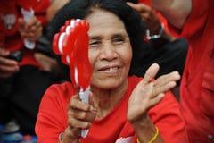 Millares de protesta roja de las camisas en Bangkok Foto de archivo libre de regalías