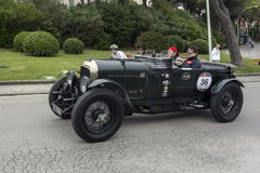 1000 millas, Bentley 4 5 Litre (1928), AMBERGER Peter, AMBERGER C Foto de archivo