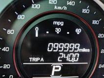 99.999 millas en el odómetro Foto de archivo libre de regalías