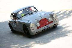 1953年Mille的Miglia阿斯顿・马丁DB2/4 免版税库存图片