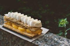 Millefeuille med vaniljkräm Arkivbild
