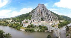 Millefoglie Francia dell'itinerario di durance del fiume di Sisteron Fotografie Stock Libere da Diritti