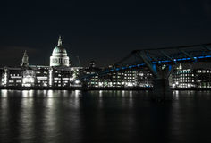 Millenium bridge seen from the Tate Modern. St Paul's Cathedral. Is across the river. London (UK Royalty Free Stock Image