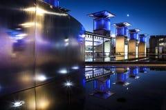 Millenium fyrkantiga Bristol på natten Royaltyfri Fotografi