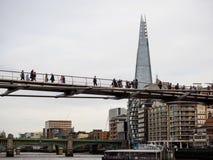 Milleniumbro från flodThemsen, London, UK Fotografering för Bildbyråer