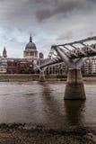 Milleniumbro i London Royaltyfria Foton