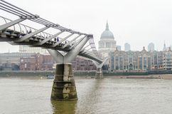 Milleniumbron, London, UK Arkivfoto