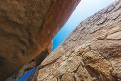 Millennial gigantów kamienie w Iona naturalnym parku Angola Cunene obraz stock
