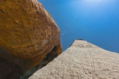 Millennial gigantów kamienie w Iona naturalnym parku Angola Cunene fotografia royalty free