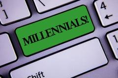 Millennials för ordhandstiltext Motivational appell Affärsidé för utveckling Y som uthärdas från 80-tal till 2000s som är skriftl Arkivfoto