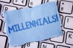 Millennials för ordhandstiltext Motivational appell Affärsidé för utveckling Y som uthärdas från 80-tal till 2000s som är skriftl Arkivfoton