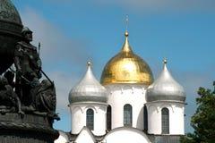 Millennio della Russia con la st Sophia Cathedral in Veliky Novgorod Fotografie Stock Libere da Diritti