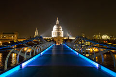 Millennium Bridge & St. Paul's at Night Royalty Free Stock Photography