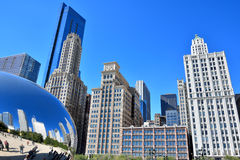 Millennium park Slivery Bean and city buildings, Chicago Stock Photos