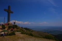 Millenniumkruis op een bovenkant van de Vodno-bergheuvel Royalty-vrije Stock Fotografie