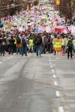 Milliers de ligne de protestataires pour le juge social March d'Atlanta photographie stock libre de droits