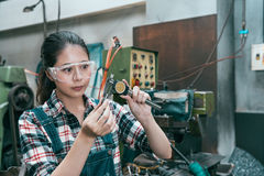 Free Milling Machining Worker Wearing Safety Glasses Stock Photo - 97684630