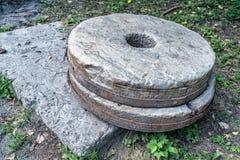 Millstone kamienia młyn dla szlifierskiej mąki Obraz Stock