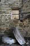 Millstones στον εγκαταλειμμένο μύλο Στοκ Φωτογραφία