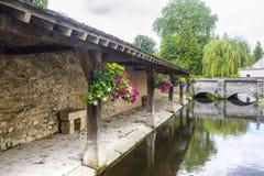 Milly-La-Foret - washhouse antico Fotografia Stock Libera da Diritti