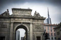 Milán viejo y nuevo Fotos de archivo libres de regalías
