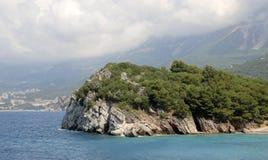 Milocer Budva Riviera, Montenegro Strand för drottning` s och parkera Fotografering för Bildbyråer