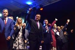 Milorad Dodik hälsar fans i gräns efter möte och folkomröstning Royaltyfria Bilder