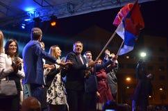 Milorad Dodik hälsar fans i gräns efter möte och folkomröstning Royaltyfri Bild