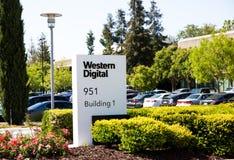 Milpitas, CA, de V.S. - 21 Mei, 2018: De bouw van een Western Digital-Bedrijfsbureau WDC Stock Foto