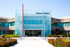 Milpitas, CA, U.S.A. - 21 maggio 2018: Costruzione di un ufficio di società di Western Digital WDC immagine stock