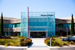 Milpitas, CA, USA - 21. Mai 2018: Gebäude eines Western Digital-Gesellschaftsbüros WDC stockfotos
