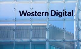 Milpitas CA, USA - Maj 21, 2018: Byggnad av ett Western Digital korporationskontor WDC royaltyfri fotografi
